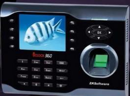 Мулти-медиен биометричен терминал за отчитане на работно време iClock360
